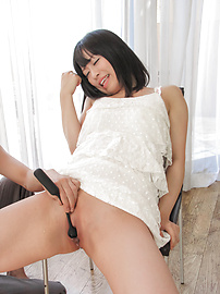 Yui Kyouno - Yui Kyouno loves feeling asian cum all over her fac e - Picture 11