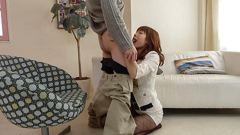 Maki Sarada - Maki Sarada giving asian blowjob perfectly - Picture 1