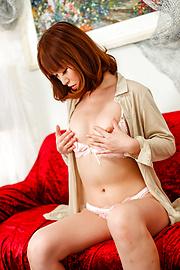 Nonoka Kaede - Asian huge dildo to crack Nonoka Kaede's pussy - Picture 2