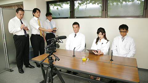 Sara Yurikawa - 日本熟女电影与性感 Sara Yurikawa - 图片 2
