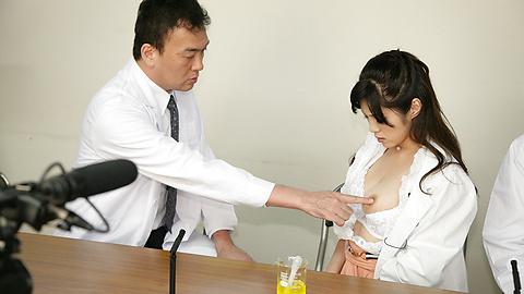 Sara Yurikawa - 日本熟女电影与性感 Sara Yurikawa - 图片 8