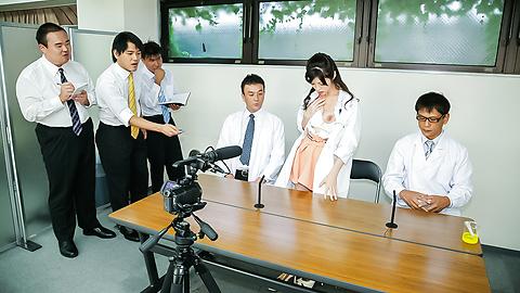 Sara Yurikawa - 日本熟女电影与性感 Sara Yurikawa - 图片 9