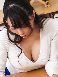 Kotone Kuroki - Housewife gives perfect Japanese blow job  - Picture 3