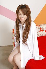 Ria Sakurai - Muda dan panas Ria Sakurai mengendarai ayam seperti seorang profesional - gambar 1