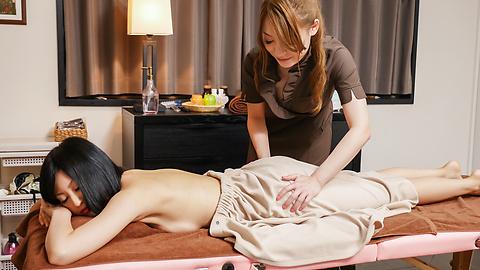 Ayaka Fujikita - Japanese masturbating along steamy masseuse Ayaka Fujikita - Picture 1