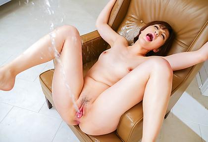 Top Asian squirting by hornyTomoka Sakurai