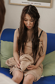 Yui Hatano - Yui Hatano fingers herself in uncensored japanese amateur sex - Picture 2