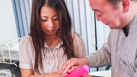 Satomi Suzuki - Satomi Suzuki cums hard from an asian dildo - Picture 3