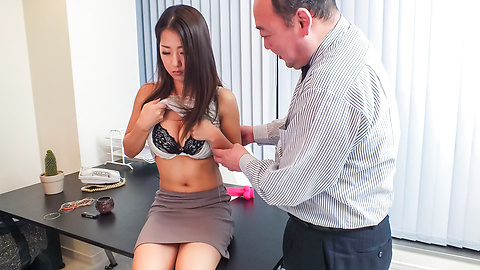 Satomi Suzuki - Satomi Suzuki cums hard from an asian dildo - Picture 7