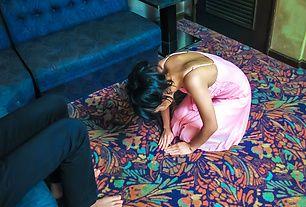 Konoha on her knees to give a japanese blowjob