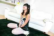 Teen Kotomi Asakura massaged with a vibrator in stockings Photo 1
