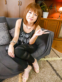 Airu Oshima - Asian blow job with nasty Airu Oshima Japan model  - Picture 2