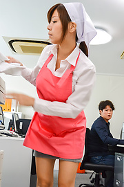 Chihiro Akino - Chihiro Akino amazes with her Asian blow job - Picture 2