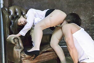 Japan milf tries cock until getting fully jizzed on pussy