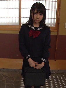 Nozomi Momoki - Real Asian blowjob in POV with sexy Nozomi Momoki - Screenshot 2