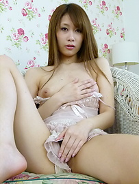 Rika Aiba - MILF asian amateur Rika Aiba masturbates in lingerie - Picture 7