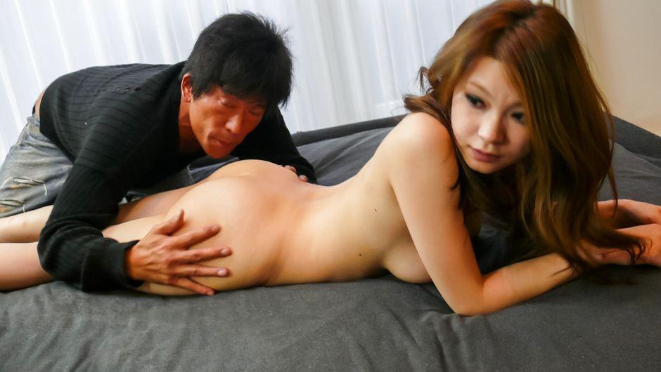 Juicy japanese av girl Arisa Kuroki rides a cock