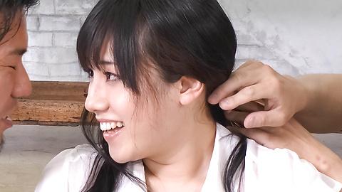 Azusa Nagasawa - Curvy Azusa Nagasawa memberikan dua orang mahasiswi terbaik Asia - gambar 1