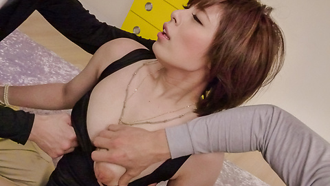 Ririsu Ayaka - โค้ง ririsu Ayaka ครีมสองเธอให้ blowjob เอเชีย -  3 รูปภาพ