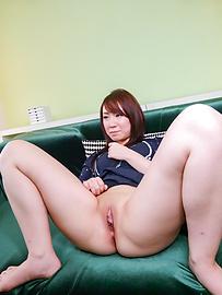 Sakura Ooba - Sakura โอบะให้งานเป่าเอเชีย masturbating สองหลัง -  12 รูปภาพ