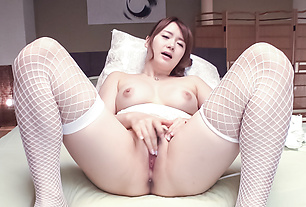 Yui Nishikawa loves spinning the toy in her holes