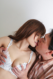 Kaede Kyomoto - Kaede Kyomoto gets him to fuck her after a japanese blowjob - Picture 9