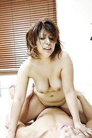 Yukari - โค้ง Yukari Milf ได้รับระยำสไตล์ Doggy อย่างหนัก -  11 รูปภาพ