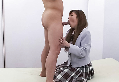 Aya Sakaki Gives Head After Getting Licked