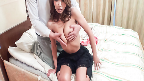 Miku Natsukawa - Miku Natsukawa gives an asian blowjob and shows off her ass - Picture 6