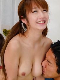 Sana Anzyu - เรื่อง Blowjobs เอเชียที่ดีจาก SANA anzyu นำไปสู่มือที่สาม -  4 รูปภาพ