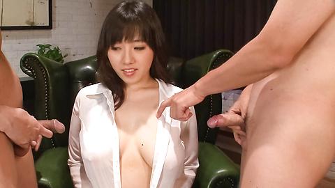 Azusa Nagasawa - หน้าอกใหญ่ให้ blowjob เอเชีย Babe ซึนางาซาวะ -  1 รูปภาพ