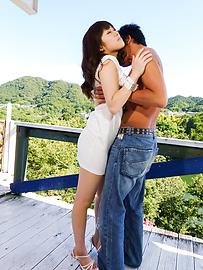 Yuri Sato - 亚洲口交在户外与热尤里佐藤 - 图片 2