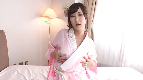 Kotone Amamiya - Cock sucking Asian girl caught on cam during group sex - Picture 5