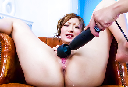 Aika does an asian squirt after being fucked with toys