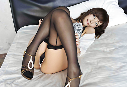 Riona Suzune Takes Off Her Pantyhose To Be Creampied