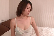 Yuna Satsuki Shows Her Body In Lingerie While Giving Head Photo 7