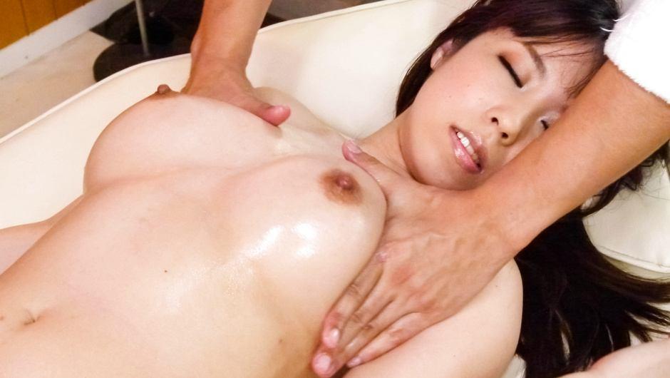 Big Titted Teen Chinatsu Kurusu Fucks After A Massage