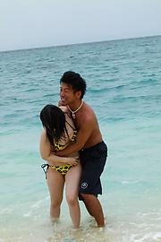 Hina Maeda - Hina Maeda asian girls sucking cocks and fucking at the beach - Picture 4