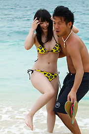 Hina Maeda - Hina Maeda asian girls sucking cocks and fucking at the beach - Picture 6