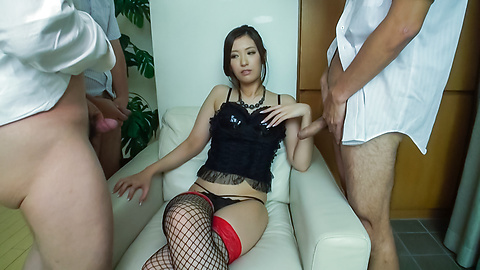 Yui Kasuga - Amazing threesome with cock sucking Asian Yui Kasuga - Picture 2