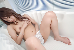 Yukina Momota amazes with her Asian blowjob