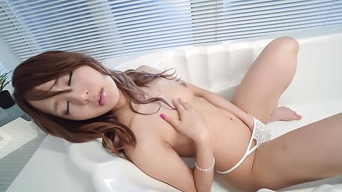 百田ゆきな - 熱い口唇で強制発射! 百田ゆきな - Picture 11