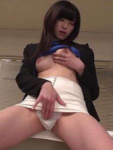 Sara Yurikawa - Sara Yurikawa jizzed on her hair after good Asian blow job  - Screenshot 11