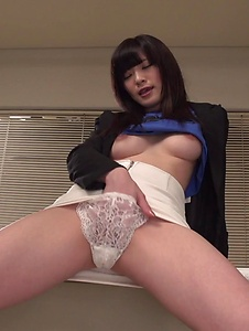 Sara Yurikawa - Sara Yurikawa jizzed on her hair after good Asian blow job  - Screenshot 12