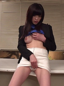 Sara Yurikawa - Sara Yurikawa jizzed on her hair after good Asian blow job  - Screenshot 9