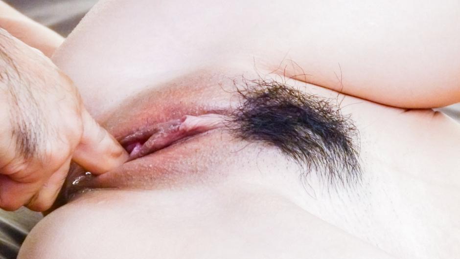 Deep penetration inKaori Maeda's hairy Asian cunt