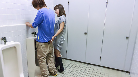 Riho Mikami - Sweet Riho Mikami kneels to provide Japanese blow job  - Picture 8