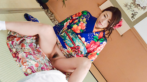Ayumi Shinoda - Woman in sexy kimono, Japanese blow job on cam  - Picture 1