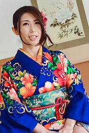 Ayumi Shinoda - Woman in sexy kimono, Japanese blow job on cam  - Picture 6