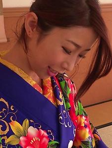 Ayumi Shinoda - Woman in sexy kimono, Japanese blow job on cam  - Screenshot 7